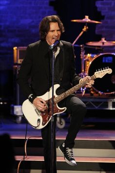 GH's RICK SPRINGFIELD performs at the Nurses Ball