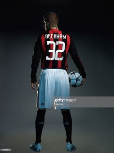David Beckham Signs For Ac Milan Stock Pictures, Royalty-free Photos & Images - Getty Images David Beckham Football, Football Boys, Sports Basketball, David Beckham Photos, David Beckham Style, Soccer Poses, Messi Gif, Soccer Photography, Classic Football Shirts