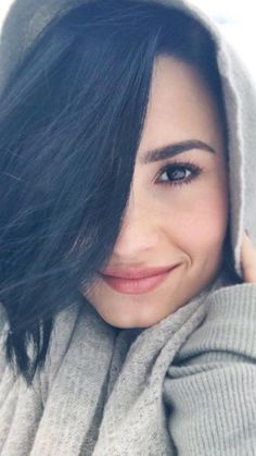 How Demi Lovato is living her best life after rehab – Celebrities Female Camp Rock, Selena Gomez, Beautiful Eyes, Beautiful People, Beautiful Women, Demi Lovato Body, Demi Love, Corte Bob, Hollywood