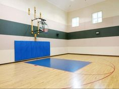Basketball Court at The Crest at Fort Lee
