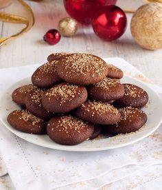 Gluten Free Grain Free Gingersnaps Recipe | Simply Gluten Free   http://simplygluten-free.com/blog/2013/12/gluten-free-grain-free-gingersnaps-recipe.html