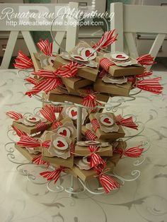 Easy little treat boxes for any occasion - Easy to follow photo tutorial by Creatief Online