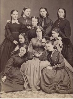 Beautiful faux-jacket trim on the dress of the woman in the middle -- they really did slick their hair close to the scalp didn't they? Antique Photos, Vintage Photographs, Vintage Photos, Historical Costume, Historical Clothing, 1920 Clothing, Old Pictures, Old Photos, Group Pictures
