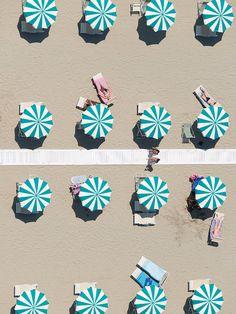 Starmint Umbrellas, Rimini, Italy © 2016 Gray Malin