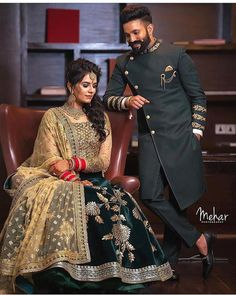 best poses for indian wedding photography Punjabi Wedding Couple, Couple Wedding Dress, Wedding Dresses Men Indian, Indian Wedding Couple Photography, Indian Wedding Bride, Punjabi Couple, Wedding Couples, Indian Wedding Receptions, Indian Weddings
