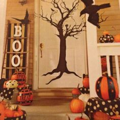 Festive #Halloween Door Decor