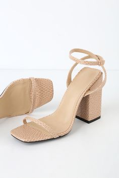 2c6930a0f4421 Block-heeled Sandals in 2019 | pref outfits. | Shoes, Sorority ...
