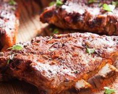 Travers de porc grillées aux épices : http://www.fourchette-et-bikini.fr/recettes/recettes-minceur/travers-de-porc-grillees-aux-epices.html