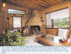 100년 된 시골 고향집이 생태주택으로 태어나다 - Daum 부동산 Japan Architecture, Rural House, Vintage Cafe, Mediterranean Homes, Old Kitchen, Tiny House, Diy And Crafts, House Plans, Farmhouse
