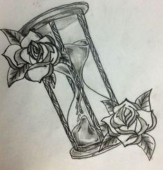 Disegno per tattoo clessidra con rose