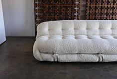Afra and Tobia Scarpa Soriana Sofa for Cassina in Bouclé, circa 1975 Modern Leather Sofa, Modern Sofa, Ottoman Design, Sofa Design, Deep Sofa, Three Seater Sofa, Sofa Frame, Tufted Sofa, Commercial Furniture