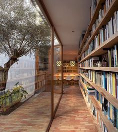 60 Wonderful Home Library Design Ideas To Make Your Home Look Fantastic. Home libraries are important resources for both you and your children. Patio Interior, Interior And Exterior, Modern Interior, Interior Livingroom, Future House, My House, Ideal House, Home Library Design, Modern Library