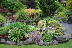 90 Fresh and Beautiful Front Yard Flowers Garden Landscaping Ideas - frontbackhome Landscaping With Rocks, Outdoor Landscaping, Front Yard Landscaping, Outdoor Gardens, Landscaping Ideas, Landscaping Borders, Landscape Design, Garden Design, Front Yard Flowers