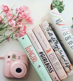 ᴘιɴтᴇʀᴇѕт ʟᴀᴜʀᴀᴀᴀᴍʏʏʏ ☆ my aesthetic книги, идеи для фото и инстаграм. Spring Aesthetic, Book Aesthetic, Aesthetic Pastel, Aesthetic Vintage, Flatlay Instagram, Roses Tumblr, Books To Read, My Books, Jandy Nelson