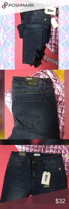 """Kensie skinny crop size jeans 10/30 NWT Kensie skinny crop size jeans 10/30 NWT. Factory faded. 30"""" inseam. Size 10. Has velvet ties and each ankle. Super cute. Kensie Jeans Ankle & Cropped"""