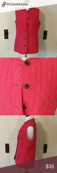 """J.Jill Quilted Vest Button Down front Side button pockets Back has snaps to vent picture 4 Buttons are brown with black  No noticeable wear stains or odors   Dress form measurements 34"""" bust 25.5"""" waist 35"""" hips For size/fit reference. 💟 J. Jill Jackets & Coats Vests"""