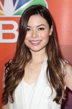 Welcome to MirandaTCosgrove Romania your English source for actress and singer Miranda Cosgrove.Here you can fiind photos,videos and more with and about Miranda. Lionel Messi, Scarlett Johansson Don Jon, Miranda Cosgrove Icarly, Nickelodeon Girls, Anne Mcclain, Vanellope, Jennifer Connelly, American Actress, Beauty Women