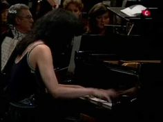 (Part 1) Schoenberg's beautiful and emotional Piano Concerto of 1942 played by Mitsuko Uchida and the Rotterdam Philharmonic Orchestra conducted by Jeffrey Tate.  Emanuel Ax and the NY Philharmonic perform this piece Oct 4-6, 2012.