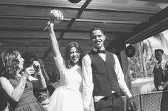 Letícia e Clauber resolveram fazer o casamento com o tema rockabilly, e deu super certo. Tudo foi feito com muito esforço, mão na massa e economia. Eles trabalharam até no grande dia montando toda a decoração.
