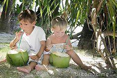 children under tree - Google'da Ara