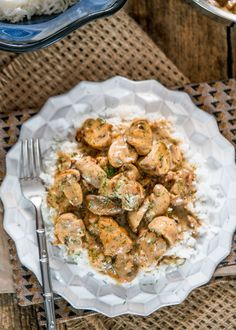 Chicken and Mushrooms in Creamy Dill Sauce - if you're looking for a quick yet mouthwatering dish loaded with chicken, mushrooms in a smooth and rich creamy dill sauce, look no further!