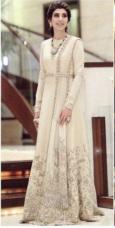 Elegant Indian Red Wedding Saree Click VISIT link above to see Pakistani Bridal Dresses, Pakistani Wedding Dresses, Indian Wedding Outfits, Pakistani Outfits, Indian Outfits, Wedding Sarees, Red Wedding, Stylish Dresses, Fashion Dresses