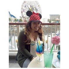 Yo soy de a dos! Lol Last day as a 21 year old last drink as a 21 year old.. #hello22 #disneyfreak #home #1sttimeat #covebar #funwheel #cottoncandylemonade  my view was amazing! Thank you mom and cousin! @luz_briceno12 @blanca_odilia by bigdaddybri