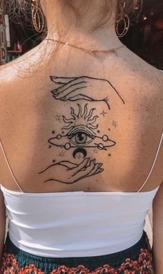 An amazing back tattoo – – - tatoo feminina Mini Tattoos, Dainty Tattoos, Dream Tattoos, Pretty Tattoos, Beautiful Tattoos, Body Art Tattoos, Small Tattoos, Sleeve Tattoos, Tatoos