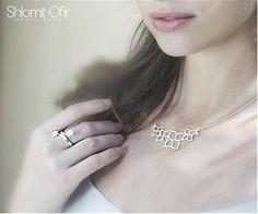 Collar bañado en plata con forma de ramo de flores #joyas  Hasta el 20 de Mayo de 2013 con un 20% de descuento