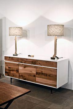 Mueble que combina texturas sin jaladeras.