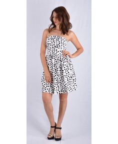 Ένα υπέροχο και καλοκαιρινό μίνι στράπλες φόρεμα. Το πουά το κάνει ακόμη πιο δυναμικό ανάλαφρο και σίκ. Κατασκευασμένο στην Ιταλία με σύνθεση 97 % βαμβάκι και 3 % ελαστίνη. Mini Dresses, Fashion, Moda, Fashion Styles, Fashion Illustrations, Short Dresses