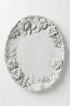 I think I could make this (as wall decoration only); fashion flowers, adhere to a platter, paint a dark glossy under coat of paint then a light gray top coat with a faux-antiquing paint (like milk paint) Slab Pottery, Ceramic Pottery, Pottery Art, Clay Wall Art, Clay Art, Ceramic Flowers, Clay Flowers, Ceramic Clay, Ceramic Plates