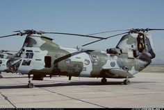 Boeing Vertol CH-46D Sea Knight  camo us marines