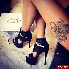 These are sexy ! #black #leather #highheels