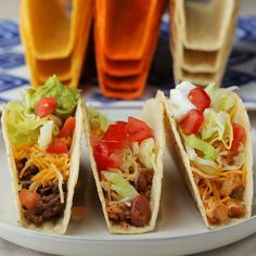 Staying in can be fun, especially when it comes to taco night. This Old El Paso taco bar is the ultimate weeknight meal for the whole family. Fun Easy Recipes, Supper Recipes, Easy Meals, Mexican Food Recipes, Dog Food Recipes, Cooking Recipes, Buffet Recipes, Tasty Videos, Food Videos