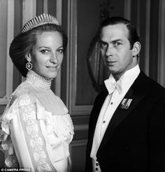 2x-Prince Michael of Kent and Baroness Marie-Christine von Reibnitz on 30 June 1978 at the Rathaus, Vienna, Austria. Two children.