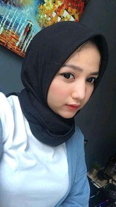 Hijabi Girl, Girl Hijab, Muslim Girls, Muslim Women, Muslim Beauty, Hijab Fashionista, Indonesian Girls, Beautiful Hijab, Niqab