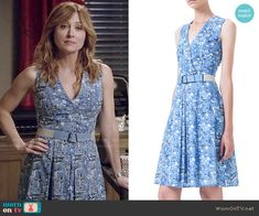 Maura's blue printed v-neck dress on Rizzoli and Isles. Outfit Details: http://wornontv.net/49858/ #RizzoliandIsles