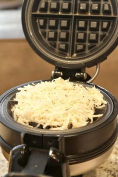 Waffle Iron Hash Browns These hash browns are so delicious made in the waffle iron! - Waffled Hash Browns - Will it Waffle The waffle iron does all the work, and you enjoy the results! Hashbrown Waffles, Potato Waffles, Potato Hash, Potato Soup, Brunch Recipes, Gourmet Recipes, Cooking Recipes, Fun Recipes, Coconut Flour