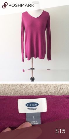 OLD NAVY Magenta pink cotton Sweater Worn a few times. Cotton fabric. Slight v-neck. Old Navy Sweaters V-Necks
