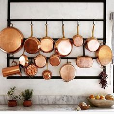 Actress has her copper cookware on full display. Kitchen Interior, Kitchen Decor, Kitchen Layout, Decoration Restaurant, Copper Pans, Copper Dishes, Cuisines Diy, Architecture Design, Log Home Interiors