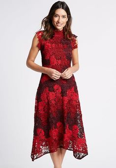 Formal Dresses, Red, Fashion, Moda, Formal Gowns, La Mode, Black Tie Dresses, Fasion, Gowns