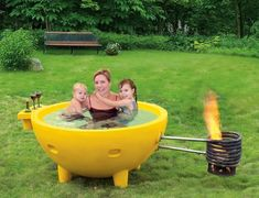 This is a Dutch tub.  So many things: 2 glasses or wine, slime pigmented water, that death trap on the right.  This can't be safe.  I'm scared.