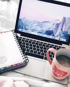 Sometimes you are just more productive working from your bed 😉 // who else prefers their bed over their desk?