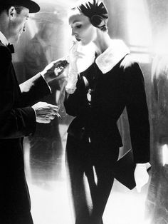 Lillian Bassman #photography 1940s - 1960s.  --------------  What a great photo. Love the contrast, lines, figures, etc.