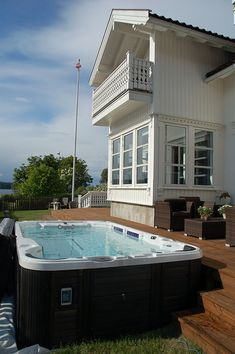The Catalina Islander Swim Spa is a pool trainer and hot tub combination you can't resist. Take advantage of the powerful river swim jet for training. Swim Spa Prices, Swimming Pool Prices, Swimming Pools, Hot Tub Patio, Jacuzzi Hot Tub, Backyard Patio, Backyard Ideas, Best Above Ground Pool, In Ground Pools