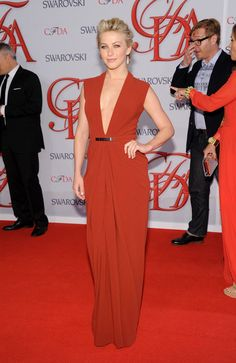 Julianne Hough in a red deep cut Kaufman Franco attends the 2012 CFDA Fashion Awards