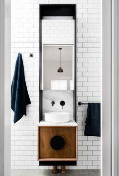 Bathroom ensuite style | Phoenix Tapware | matte black taps and accessories | Photo Credit: FIGR Architecture & Design