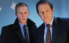 Hathaway (Laurence Fox) and Lewis (Kevin Whately) in Inspector Lewis: Fearful Symmetry