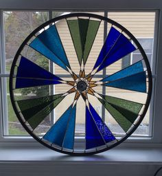 Stained Glass Designs, Stained Glass Projects, Stained Glass Patterns, Stained Glass Art, Mosaic Glass, Fused Glass, Bike Wheels, Bicycle Rims, Bicycle Wheel